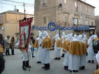 Venerdì Santo 2009: la Confraternita di S. Barbara all'inizio della Via Crucis-2.  - Villarosa (4019 clic)