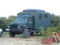 Camper tedesco ricavato da un camion di guerra  - Riserva dello zingaro (7017 clic)