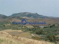 Contrada S.Rocco: veduta della Diga sul Fiume Morello, della campagna villarosana e , sullo sfondo,