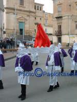 Venerdý Santo 2009: Piazza Vittorio Emanuele,la Confraternita del SS. Crocifisso con la statua del Cristo lungo la Via Crucis-2.  - Villarosa (3643 clic)