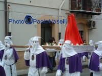 Venerdì Santo 2009: la confraternita del SS.Crocifisso lungo le strade del centro storico per la Via Crucis.  - Villarosa (3736 clic)