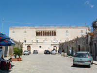 Castello di Donnafugata, facciata principale.  - Donnafugata (3123 clic)