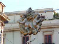 Natale 2003:addobbi rappresentanti gli stucchi del Serpotta,Via Ruggero VII. PALERMO Paolo Naselli