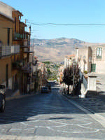 Vista verso la Valle del Fiume Platani dalla piazza .  - Acquaviva platani (6118 clic)