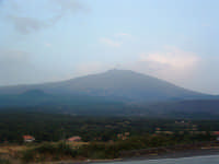 Vista dell'Etna dai pressi del centro abitato di Maletto .  - Maletto (4783 clic)