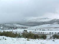 Nevicata del 26-01-2005, la Diga di Villarosa dalla S.S. 121.  - Villarosa (3308 clic)