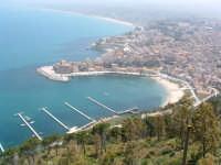 Panorama del porticciolo e del centro storico  - Castellammare del golfo (1239 clic)