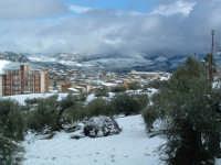 Nevicata del 26-01-2005, veduta del centro storico dal cimitero.  - Villarosa (2728 clic)