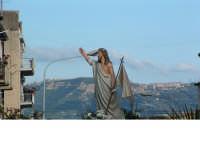 Pasqua a Villarosa: 08/04/2007,la processione con la statua del Cristo risorto, con la città di Enna