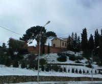 Nevicata del 26-01-2005, Villa Lucrezia e il suo Parco urbano.   - Villarosa (3947 clic)