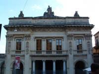 Teatro Comunale Vittorio Emanuele III  - Noto (2037 clic)