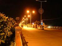 Noto Marina, il lungomare di notte-1  - Noto (6810 clic)
