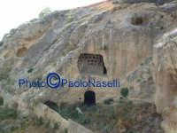 Area archeologica di Contrada Canalotto,vista del costone roccioso da est.   - Calascibetta (2238 clic)
