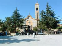 La chiesetta nella piazza a monte del villaggio  - Pergusa (4898 clic)