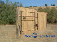 Oasi Fluviale Valle del Morello: capanno in cannucciato per gli amanti del bird watching (osservazione dei volatili).  - Villarosa (5643 clic)