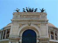 Teatro Politeama,cavalli bronzei sopra l'arco di ingresso(Arch.Giuseppe Damiani Almeyda).  - Palermo (4066 clic)