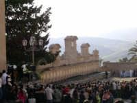 folla durante un set cinematografico alla granfonte  - Leonforte (3801 clic)