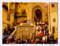 Entrata al castello nella sera della processione del SS crocifisso  - Carini (9240 clic)