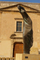 Donna in fuga  - Caltagirone (6040 clic)