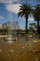 Giardino pubblico -fontana-  - Caltagirone (4856 clic)