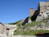 Particolare del Castello  - Montalbano elicona (3865 clic)