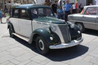 Piazza Carafa - Fiat 1100 D  - Grammichele (7849 clic)