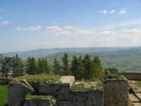 Enna. Veduta dall'alto del Castello Lombardia. Aprile 2007   - Enna (1413 clic)