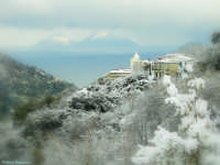 Chiesa Maddalena di Gioiosa Marea ,la neve, le Eolie (6443 clic)
