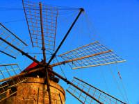 saline di trapani. mulino a vento  - Trapani (4851 clic)