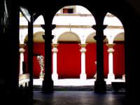 colonne del palazzo arcivescovile di palermo PALERMO Gabriele Saito