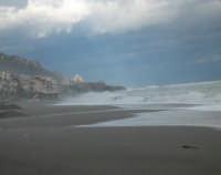 Mareggiata. Febbraio 2006   - Letoianni (5203 clic)