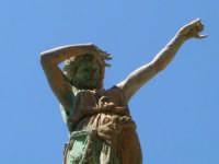 Statua nel cimitero di Ragusa Ibla RAGUSA daniele burzichelli