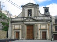 Facciata della chiesa di San Silvestro dov'è collocata la tomba del Santo.    - Troina (2248 clic)