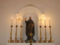Altara maggiore della chiesa di Santa Caterina,dov'è ubicato il simulacro ligneo di Sant'Antonio Abate.  - Troina (1875 clic)