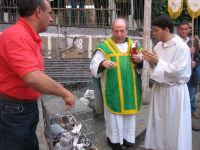 Tradizionale benedizione degli animali il giorno dell'apertura della festa di Sant'Antonio Abate.  - Troina (2381 clic)