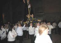 Particolare della Modonna Addolorata in processione.  - Troina (6385 clic)