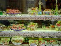 Dolci di Pasta Reale a base di mandorle e zucchero  - Trapani (9908 clic)