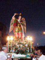 S. Michele - Ogni anno, nei tre giorni successivi la Pentecoste, viene celebrata la festa del SS. Crocifisso, pregiata scultura lignea realizzata da Ignazio Marabitti , conservata nella Chiesa di S. Caterina.Il piccolo Crocifisso dei Miracoli, u Crucifisseddu di Chiusa, viene portato in processione insieme ad altre statue di Santi e, in tale occasione, un tempo si svolgeva la corsa dei cavalli nella via principale. (Totò Mirabile)  - Chiusa sclafani (3893 clic)