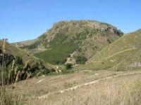 Panorama di Montescuro - inserito nel canto siciliano  A Li novi Cannola di Chiusa  composto da Totò Mirabile.   - Chiusa sclafani (3049 clic)