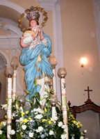 Immacolata Concezione - Ogni anno, nei tre giorni successivi la Pentecoste, viene celebrata la festa del SS. Crocifisso, pregiata scultura lignea realizzata da Ignazio Marabitti , conservata nella Chiesa di S. Caterina.Il piccolo Crocifisso dei Miracoli, u Crucifisseddu di Chiusa, viene portato in processione insieme ad altre statue di Santi e, in tale occasione, un tempo si svolgeva la corsa dei cavalli nella via principale. (Totò Mirabile)  - Chiusa sclafani (8844 clic)