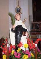 S. Angelo - Ogni anno, nei tre giorni successivi la Pentecoste, viene celebrata la festa del SS. Crocifisso, pregiata scultura lignea realizzata da Ignazio Marabitti , conservata nella Chiesa di S. Caterina.Il piccolo Crocifisso dei Miracoli, u Crucifisseddu di Chiusa, viene portato in processione insieme ad altre statue di Santi e, in tale occasione, un tempo si svolgeva la corsa dei cavalli nella via principale. (Totò Mirabile)  - Chiusa sclafani (3449 clic)
