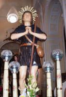 S. Isidoro - Ogni anno, nei tre giorni successivi la Pentecoste, viene celebrata la festa del SS. Crocifisso, pregiata scultura lignea realizzata da Ignazio Marabitti , conservata nella Chiesa di S. Caterina.Il piccolo Crocifisso dei Miracoli, u Crucifisseddu di Chiusa, viene portato in processione insieme ad altre statue di Santi e, in tale occasione, un tempo si svolgeva la corsa dei cavalli nella via principale. (Totò Mirabile)  - Chiusa sclafani (3788 clic)