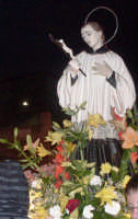 S. Luigi - Ogni anno, nei tre giorni successivi la Pentecoste, viene celebrata la festa del SS. Crocifisso, pregiata scultura lignea realizzata da Ignazio Marabitti , conservata nella Chiesa di S. Caterina.Il piccolo Crocifisso dei Miracoli, u Crucifisseddu di Chiusa, viene portato in processione insieme ad altre statue di Santi e, in tale occasione, un tempo si svolgeva la corsa dei cavalli nella via principale. (Totò Mirabile)  - Chiusa sclafani (3735 clic)