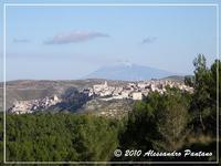 MONTEROSSO ALMO VISTO DAL PARCO FORESTALE SERRAROSSA   - Monterosso almo (5030 clic)