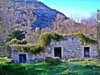 un'antico mulino nel parco dei mulini   - Monterosso almo (5025 clic)