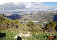 Lago Dirillo visto dal Monte Casasia  Lago Dirillo visto dal Monte Casasia   - http://escursione.weebly.com/  - Monterosso almo (3314 clic)