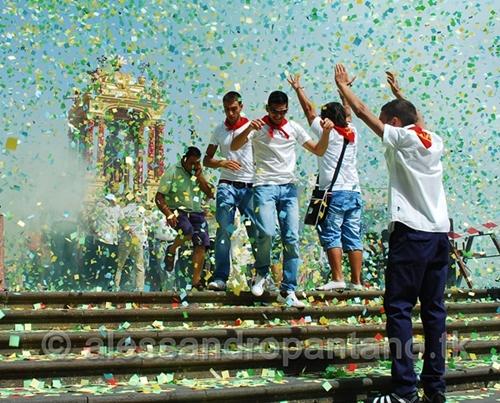 festa san giovanni 2011  - MONTEROSSO ALMO - inserita il 11-Oct-11
