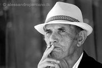 ritrato di un anziano  www.alessandropantano.tk   - Monterosso almo (3262 clic)