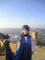Scorcio di panorama - vista lato Castello - con la piccola castellana Chiara  - Naro (2821 clic)