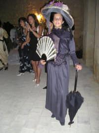 Vento di Donne  -  Vecchio Duomo - Sfilata abiti antichi. Erika  - Naro (10048 clic)